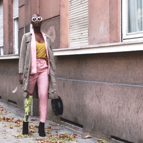 Like a girl : Pink suitedition
